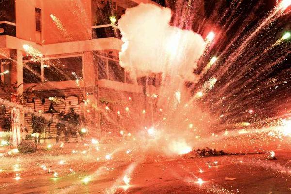grecia-video-disturbios-em-atenas-9-anos-apos-o-1