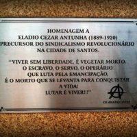 """""""Santos sofreu um grande apagamento da sua história anarquista e sindicalista revolucionária"""""""