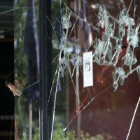 [Grécia] Ataques a três supermercados do grupo Market In em solidariedade com seus trabalhadores que estão sem receber salários