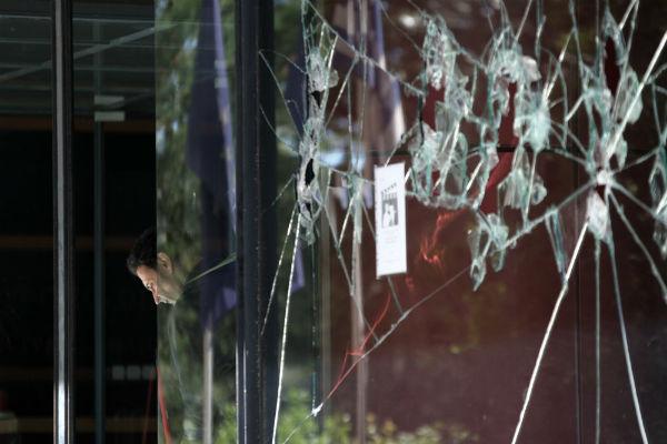 grecia-ataques-a-tres-supermercados-do-grupo-mar-1