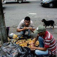 Venezuelanos perderam 11kg em média por causa da falta de comida, diz estudo