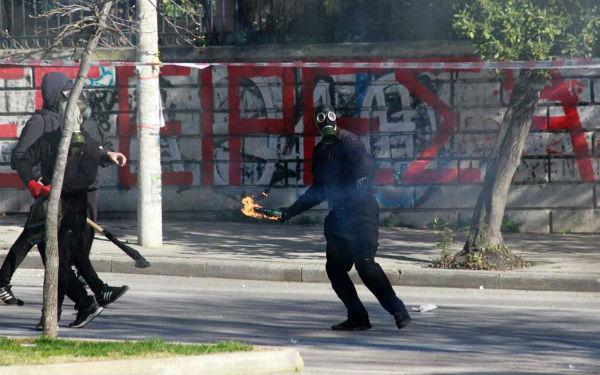 grecia-protesto-contra-nacionalismo-e-fascismo-r-4.jpg