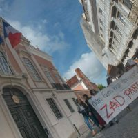 [Portugal] Em Lisboa, dezenas ocuparam entrada da embaixada da França em solidariedade com a ZAD