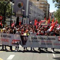 """[Espanha] CNT se manifesta em Primeiro de Maio exigindo """"Justiça social e trabalhista"""""""