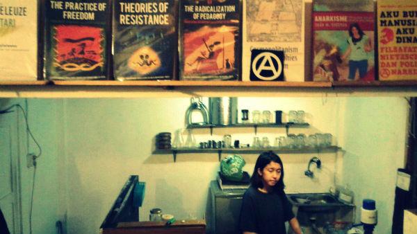 indonesia-yogyakarta-libera-infoshop-esta-arreca-1