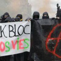 """[França] 1° de Maio: Em Paris, """"black blocs"""" atacam """"símbolos do capitalismo"""""""