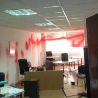 [Grécia] Em Atenas, anarquistas vandalizam escritório da ONG britânica Oxfam