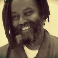 """[EUA] Mensagem de Mumia Abu-Jamal: """"Espero que todos estejam bem e que continuem lutando"""""""