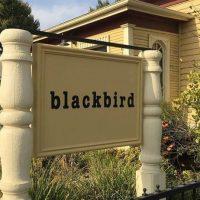 [EUA] Um local para agir: Blackbird engajada com o desenvolvimento comunitário