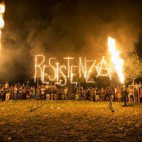 [Itália] Fotos e vídeo: 'Fora do Xm24'! Incendeia a Resistência!
