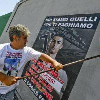 [Itália] Protesto contra a contratação milionária de Cristiano Ronaldo pela Juventus