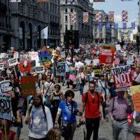 reino-unido-protesto-contra-trump-reune-mais-de-4.jpeg