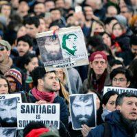 """[Argentina] """"Santiago é solidariedade"""": Manifestação reúne milhares de pessoas em Buenos Aires"""