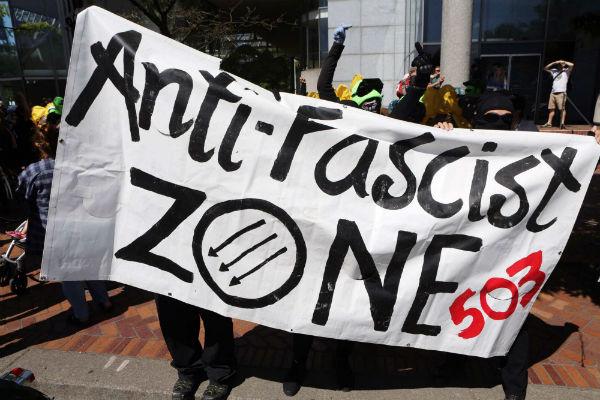 eua-resistencia-antifascista-em-portland-1
