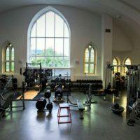 Igrejas católicas no Canadá viram academia, palco de shows e até spa
