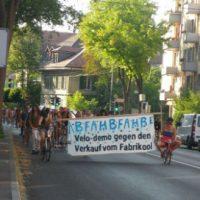 [Suíça] Bicicletaço reúne cerca de 100 ciclistas em protesto contra a venda da Fabrikool