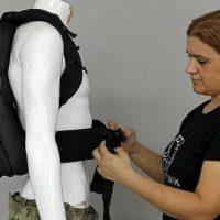 [EUA] Estadunidenses compram mochilas antibalas para o retorno às aulas