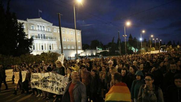 grecia-manifestantes-em-atenas-protestam-contra-1