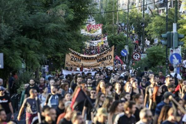 grecia-recorda-o-antifascista-pavlos-fyssas-cinc-1
