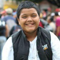 Mario Castellanos, o menino que viaja sozinho entre os milhares de hondurenhos que tentam chegar aos EUA