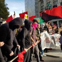 [Reino Unido] Londres: Antifascistas bloqueiam o percurso da marcha da DFLA