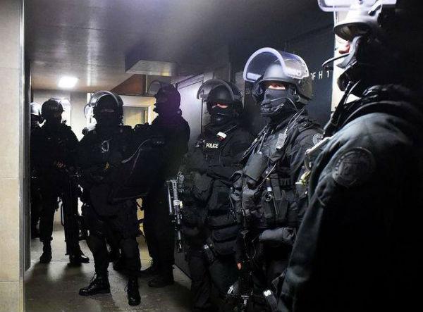 franca-repressao-policial-contra-o-movimento-ant-1