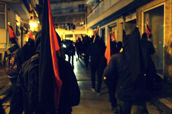 grecia-video-patrulha-antifascista-em-pireus-1