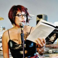 [EUA] Michelle Cruz Gonzales sobre permanecer punk e ensinar lições
