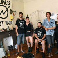 [EUA] Millenials sobrevivencialistas com ideais anarquistas dividem ocupação no centro da cidade