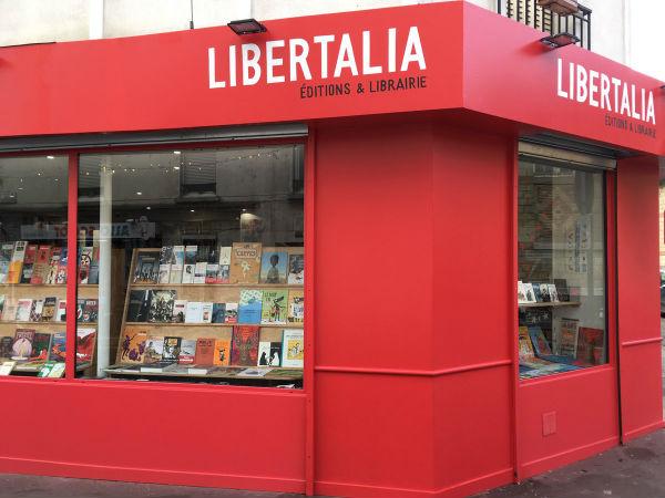 franca-ja-esta-funcionando-a-livraria-libertalia-1