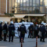 [Grécia] Ilha de Creta: Antifascistas enfrentam fascistas e policiais em Heraklion