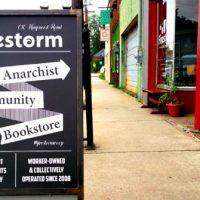 [EUA] Uma livraria radical na Appalacha do Sul: Firestorm Books & Coffee