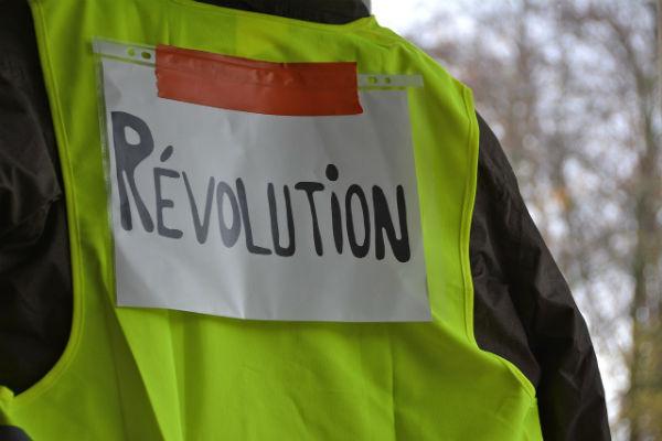 franca-apelo-a-solidariedade-internacional-1