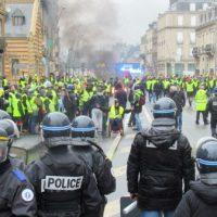Solidariedade com os protestos sociais na França: Resistência ao capitalismo, à exploração e ao Estado!