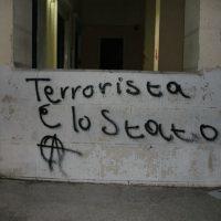 """[Grécia] Intervenção na """"Escola Italiana de Atenas"""" em solidariedade com o Asilo Occupato e os presos"""