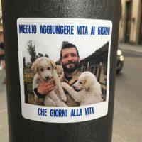 [Itália] Em Florença, escritos e adesivos por Lorenzo Orsetti