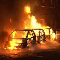 [Alemanha] Em Essen, carros do partido de extrema-direita AfD são incendiados