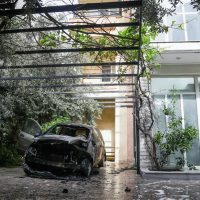 [Grécia] Carro da repórter grega da CNN Mina Karamitrou é destruído por bomba