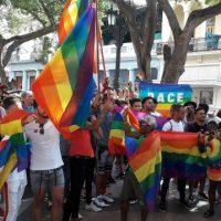 A comunidade LGBTI+ marcha sem permissão em Cuba