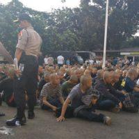 [Indonésia] ONGs denunciam prisões arbitrárias e abusos da polícia de Bandung durante protestos do 1° de Maio