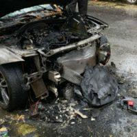 [Canadá] Montreal: Carro do vice-presidente da Lemay é incendiado