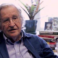 [EUA] Como pessoas como Chomsky, Snowden e Malcolm X se tornam antiautoritários?