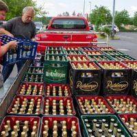 [Alemanha] Em Ostritz, moradores compram toda a cerveja da cidade em boicote a festival neonazista