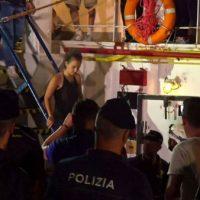 [Europa] Polícia italiana prende capitã de navio de resgate de imigrantes
