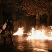 [Grécia] Vídeo | Atenas: Protesto se transforma em revolta contra a libertação do policial assassino de Alexis Grigoropoulos