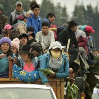 Milhares de indígenas marcham para capital do Equador em protesto por alta de combustível