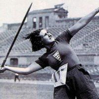 [Espanha] Poetisa, anarquista e pioneira do futebol feminino: A mulher que morreu sem fazer alarde.