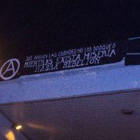 [Espanha] Barcelona: Faixa e texto em solidariedade com as revoltas no Chile