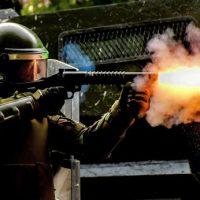 Polícia militar do Chile compra gás lacrimogêneo do Brasil em meio a manifestações
