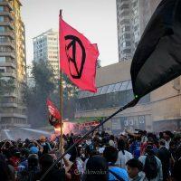 [Chile] Vídeo | Santiago: Dançando com os anarquistas nas barricadas...